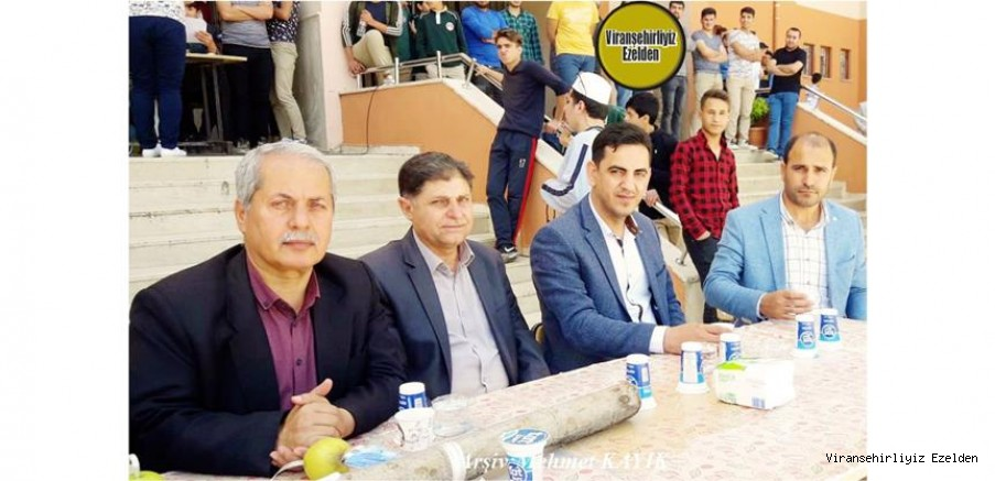 Viranşehir Devlet Hastanesinde Memur Olarak Görev yapan, Hacı Şerif Turgut, Öğretmen Ahmet Bilen, Mehmet Kızıltaş ve Arkadaşı